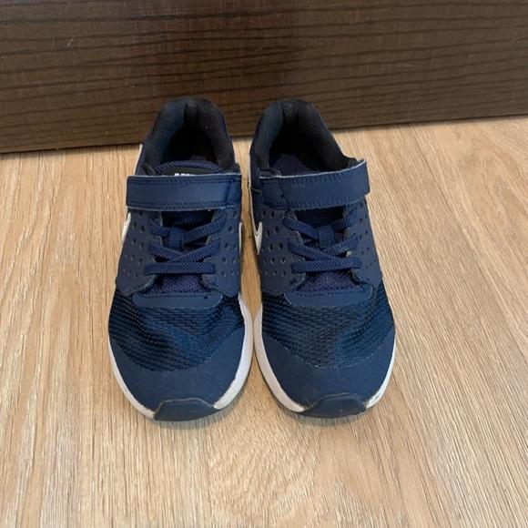 Kids nike sneakers size 13